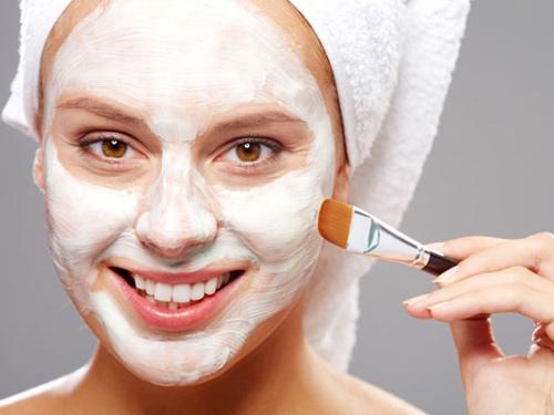 наносим косметическую маску - nanosim kosmeticheskuyu masku
