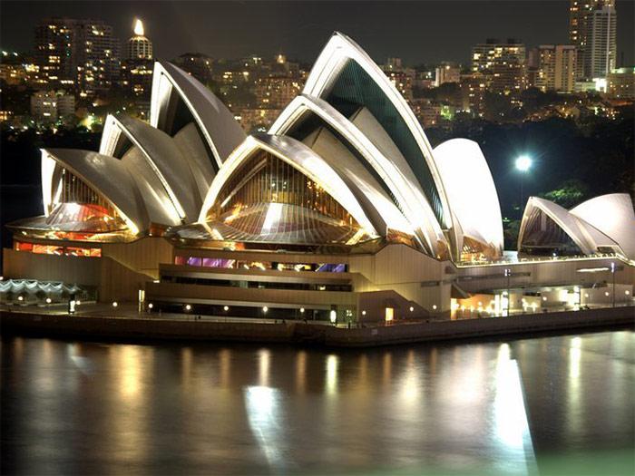 Сиднейский оперный театр ночью - Sydneyskiy opernyi teatr nochyu